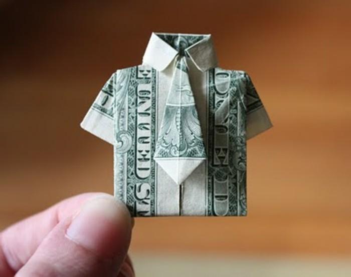 coole-idee-für-vatertag-geschenke-hemd-aus-geldschein-gebastelt