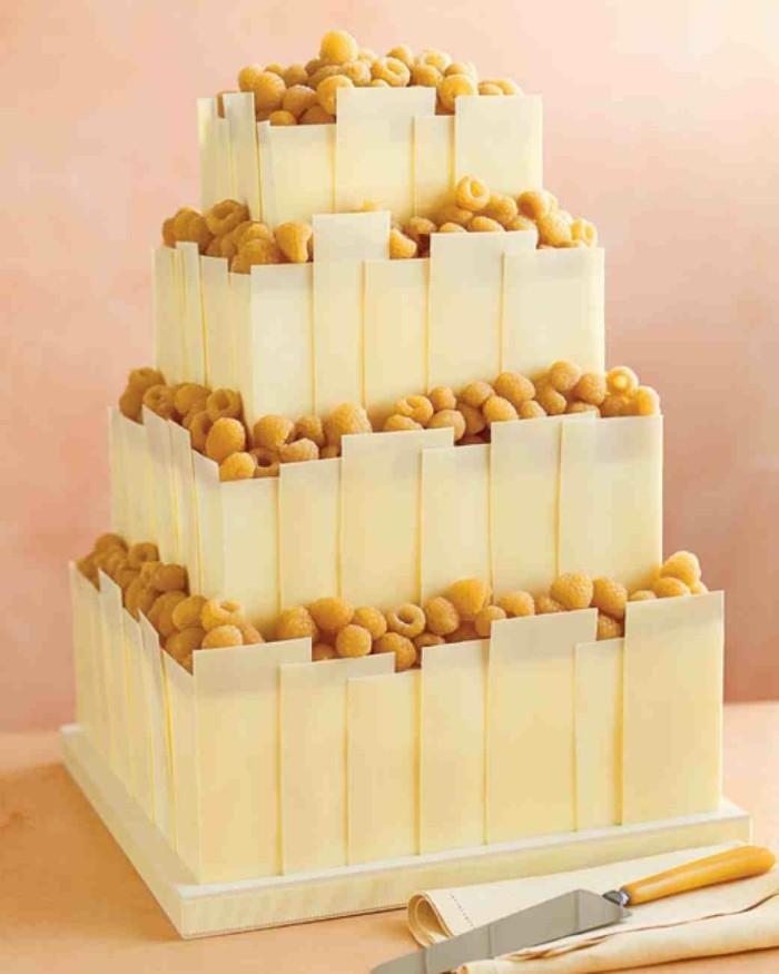 einmalige-große-torte-für-eine-coole-diy-hochzeit