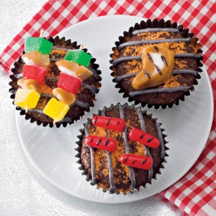 foto-von-oben-genommen-vatertag-geschenkideen-coole-cupcakes