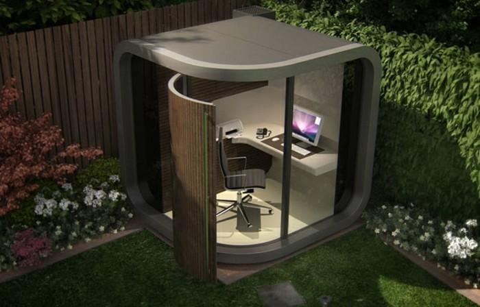 interessanter-büroraum-im-kleinen-modernen-garten
