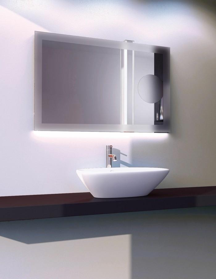 Badspiegel von antik ber klassisch bis hin zu modern for Badezimmerspiegel modern