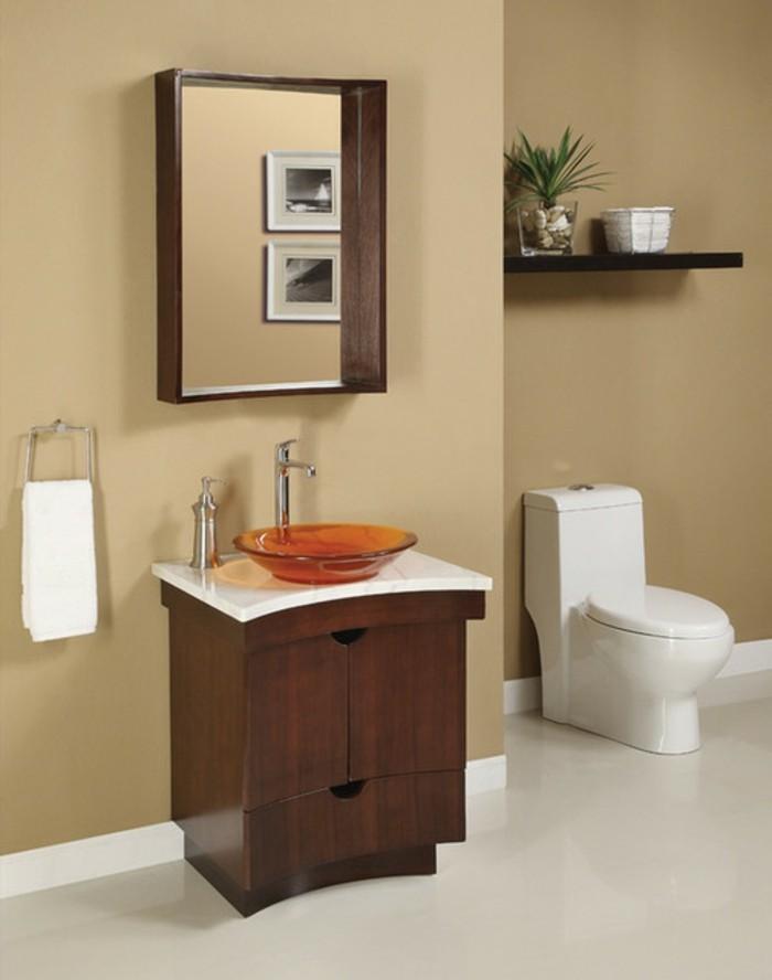 kreative-kleine-badezimmer-einrichten-viereckiger-spiegel-an-der-wand