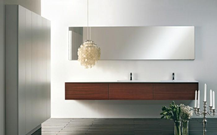 badspiegel von antik ber klassisch bis hin zu modern. Black Bedroom Furniture Sets. Home Design Ideas