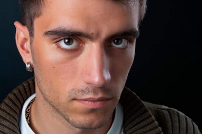 Ohrringe für Männer: Werden sie einen Modetrend