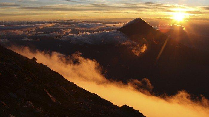 phänomenale-natur-bilder-berge-und-wolken
