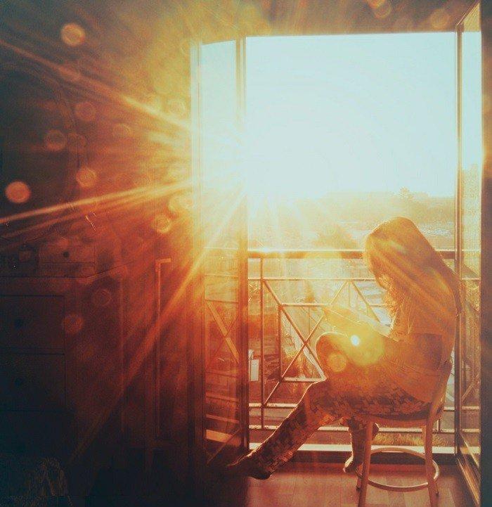 sonnenuntergang-auf-der terrasse-genießen