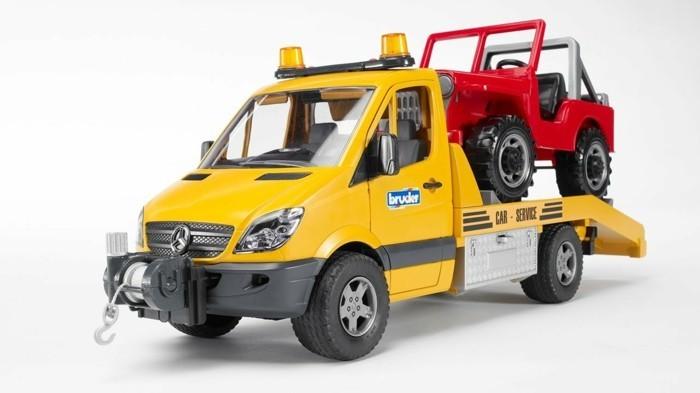 spielzeuge-Bruder- Abschleppwagen- Abschleppdienst-mit-Geländewagen