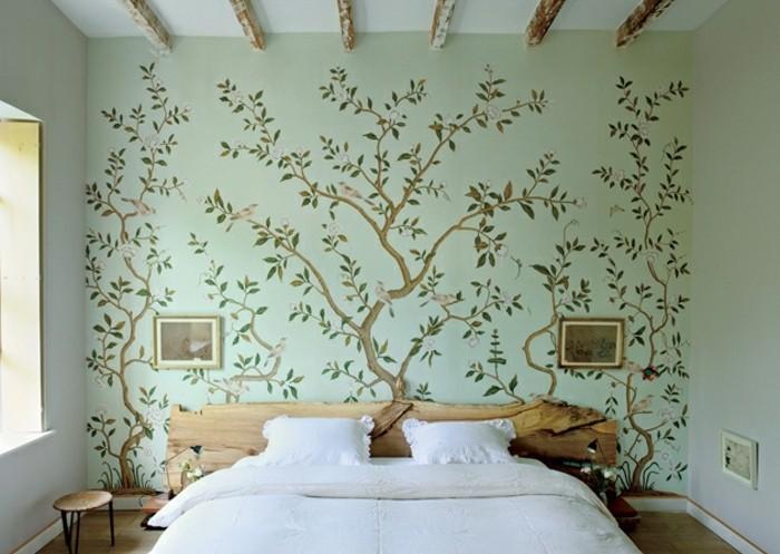 super-interessantes-schlafzimmer-mit-toller-wandgestaltung-weißes-bett-modell