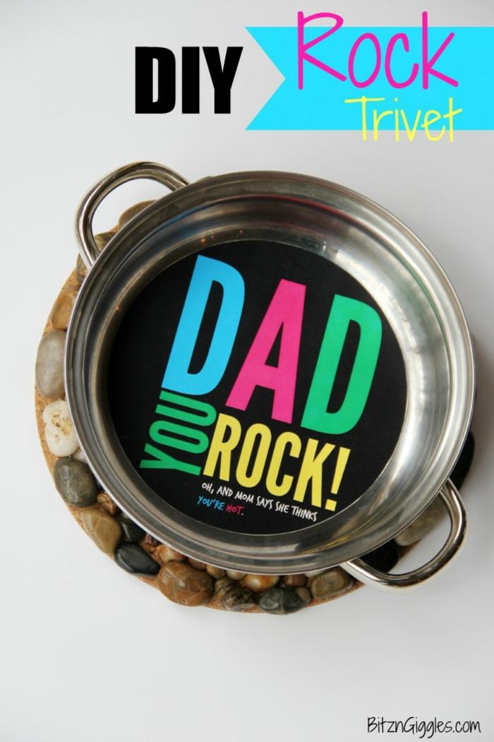 vatertagsgeschenke von kindern, dad you rock, tassenuntersetzer aus steinen
