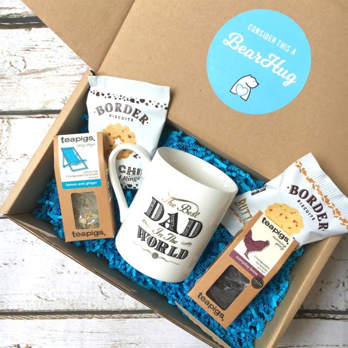 box mit kleinen geschenken, vatertagsgeschenke von kinder, präsent zum vatertag