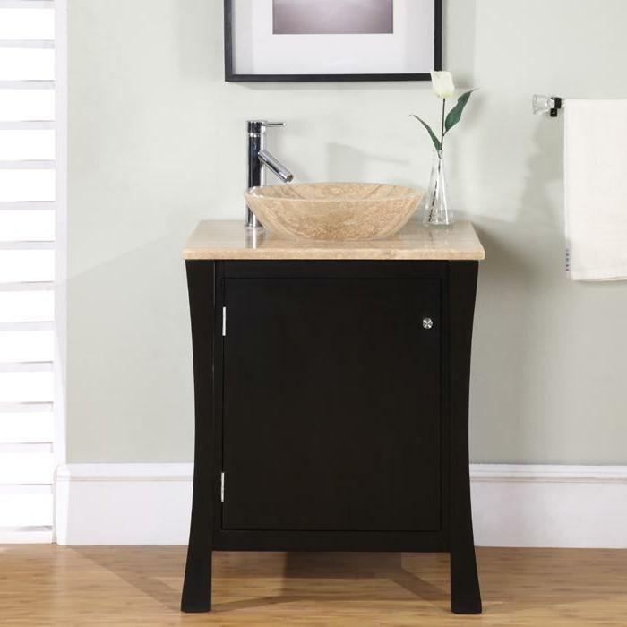 wunderschönes-design-badezimmer-mit-einem-kleinen-waschbecken
