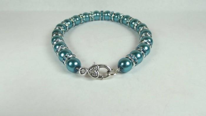 Armbänder-mit-Perlen-selber-machen-wie-ein-Designer-Schmuck
