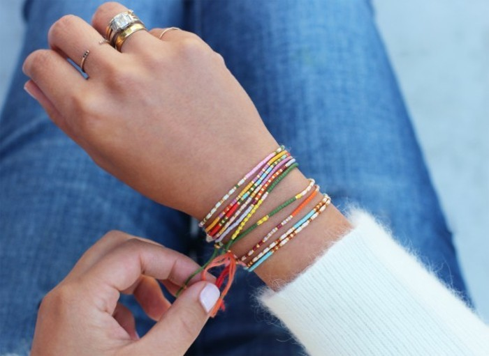 Armbänder-selber-machen-viel-und-dünn