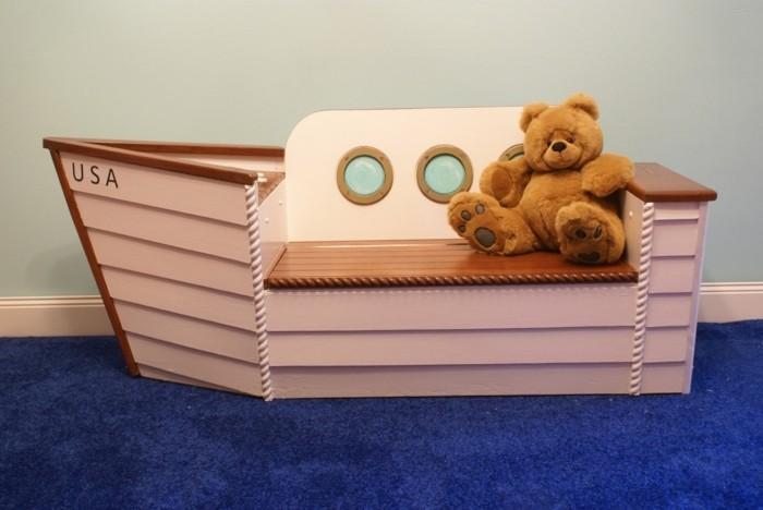 Aufbewahrungsbox-Kinderzimmer-wie-einen-kleinen-Schiff