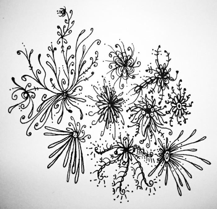Bleistiftzeichnungen-ein-paar-schöne-Blumen