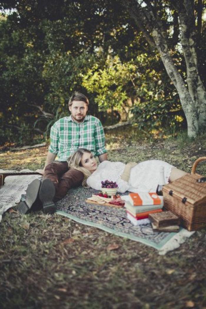 Das-perfekte-Picknick-auf-einem-Teppich