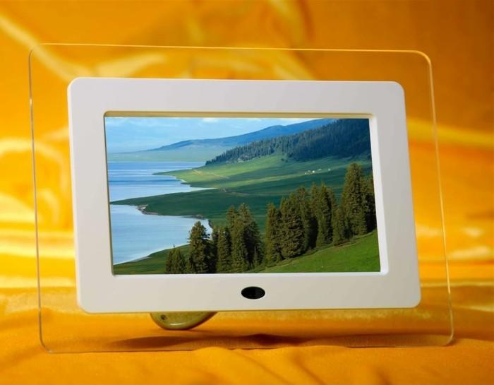 Digitaler-Bilderrahmen-aus-durchsichtigem-Materiall