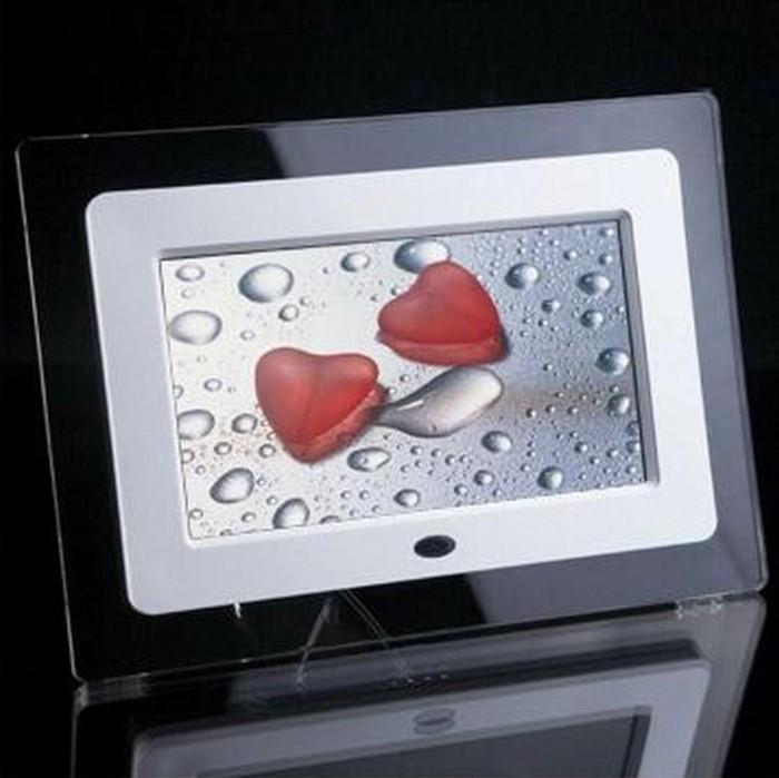 digitaler bilderrahmen die erinnerung wurde lebendig. Black Bedroom Furniture Sets. Home Design Ideas