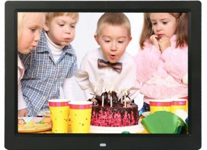 Digitaler-Bilderrahmen-zum-Geburtstag-ihres-Kindes