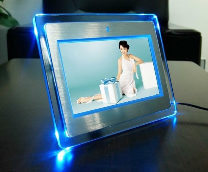 Elektrischer-Bilderrahmen-mit-LED-Beleuchtung
