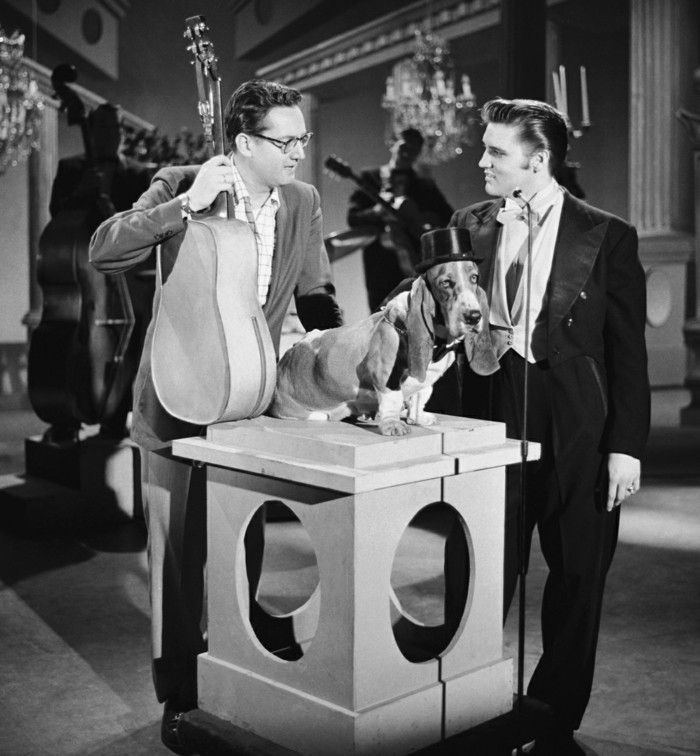 THE STEVE ALLEN SHOW -- Aired July 1, 1956 -- Episode 2 -- Pictured: (l-r) Elvis Presley, host Steve Allen (Photo by NBC/NBCU Photo Bank via Getty Images)