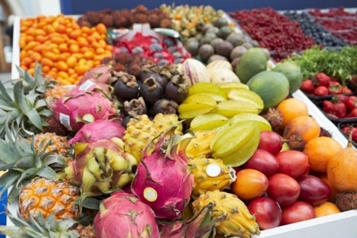 Exotische-Früchte-in-einem-Geschäft