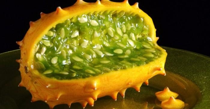 Exotische-Obstsorten-Horngurke-noch-Kiwano-genannt