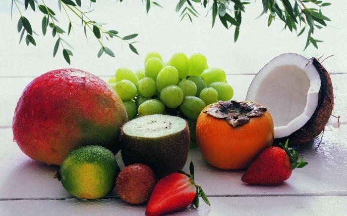 Exotische-Obstsorten-Kokosnuss-und-andere