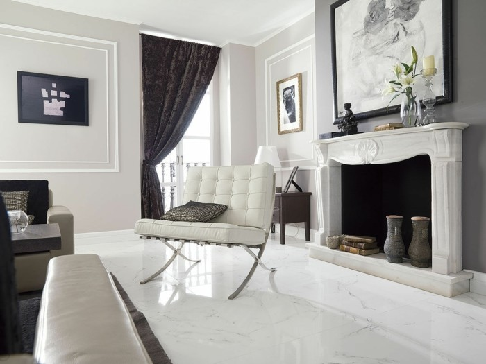 Fliesen-im-Wohnzimmer-mit-Designer-Möbeln