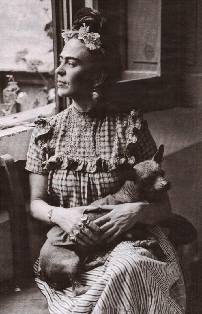 Frida-Kahlo- 1930s-40s-das-Hund