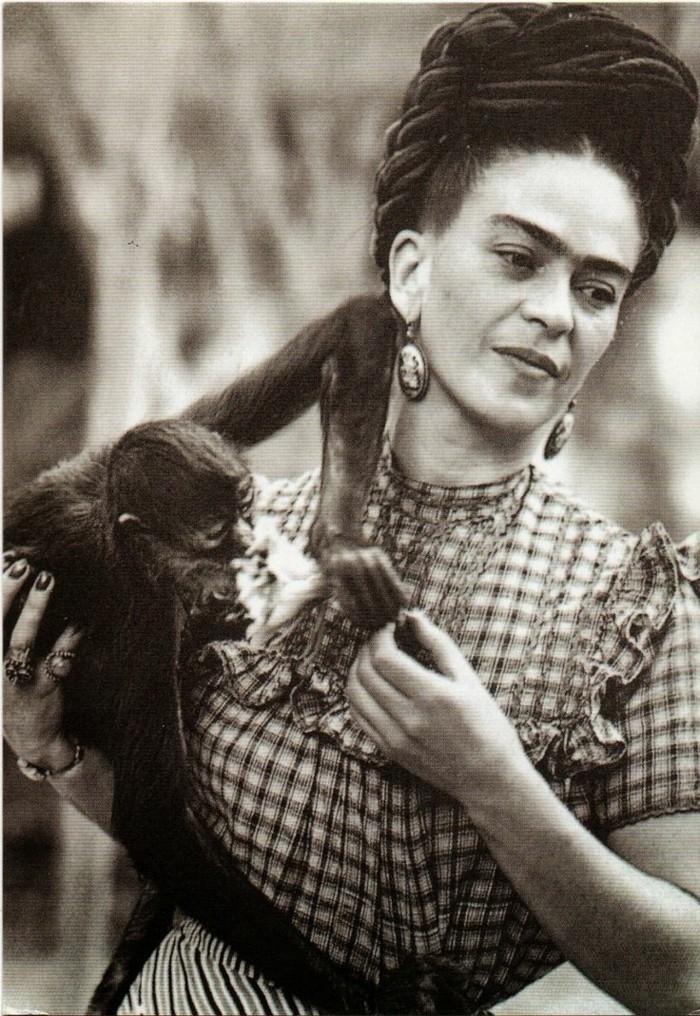 Frida-Khlo-exotische-Haustiere-Affe2