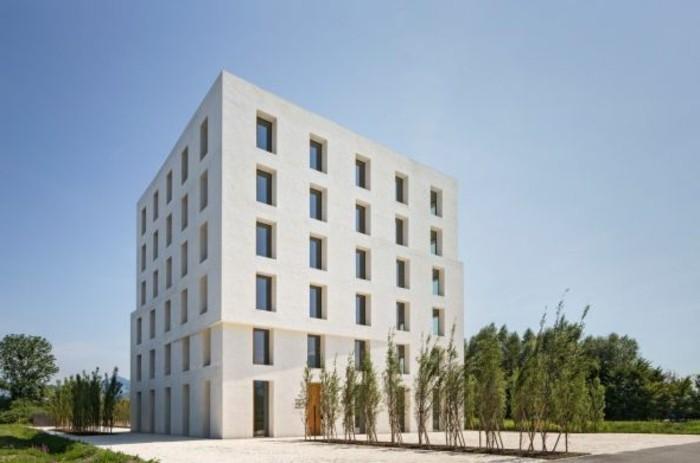 Funktionalismus-Architektur-ein-weißer-Würfel