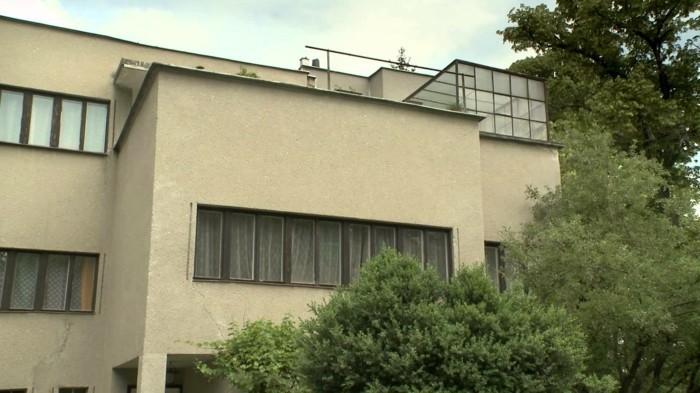 Funktionalismus-Architektur-sehr-schlichtes-Gebäude