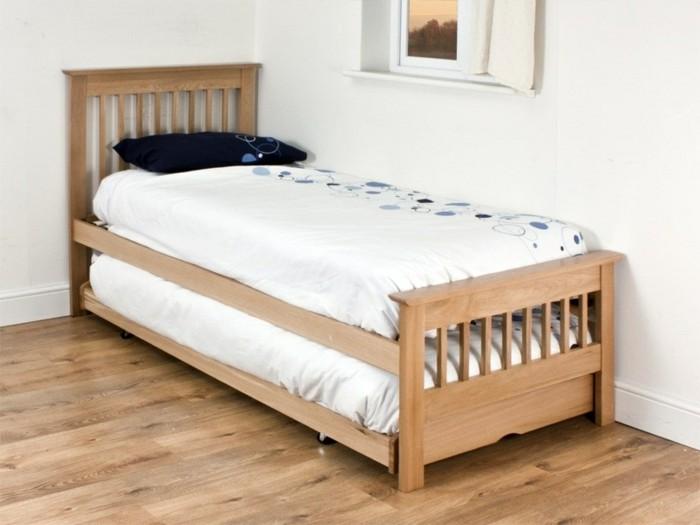 Gästebett-mit-Rahmen-aus-Holz
