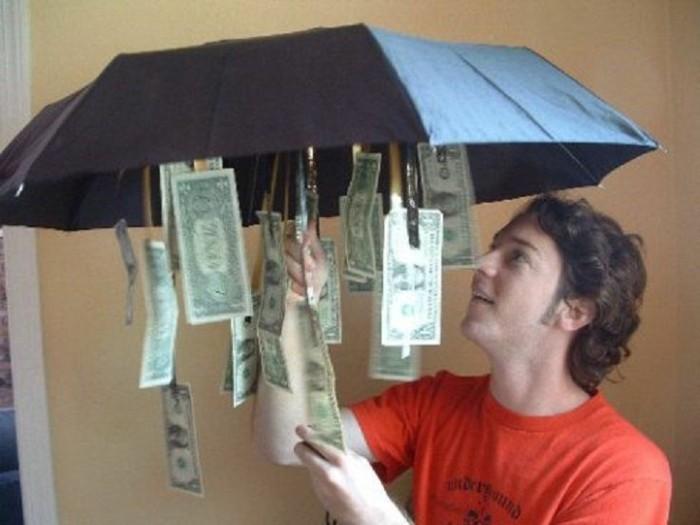 Geschenke-zum-Abitur-Regenschirm-mit-Geld