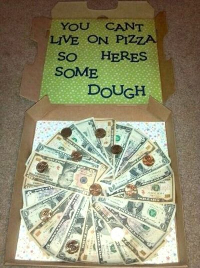 Geschenke-zum-Abitur-ein-Pizza-aus-Geld