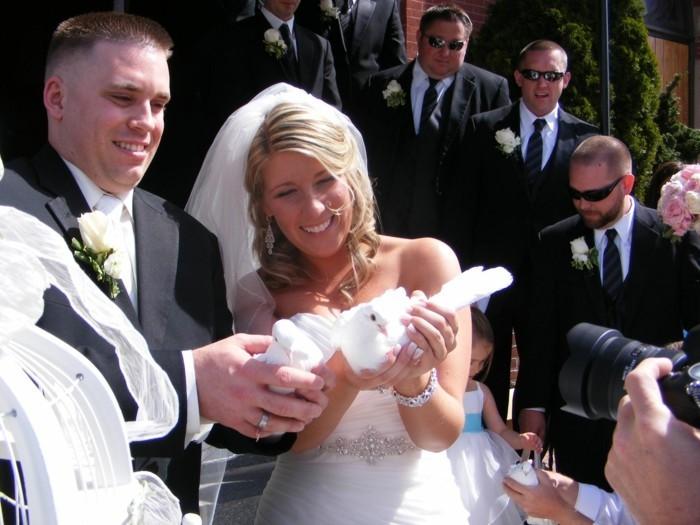 Hochzeitstauben-freizulassen-ist-angenehm