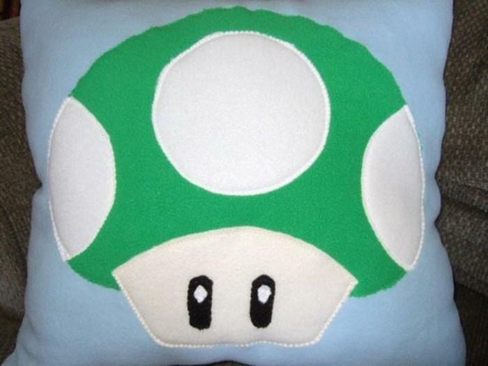 Lustige-Kissen-mit-Super-Mario-Pilz