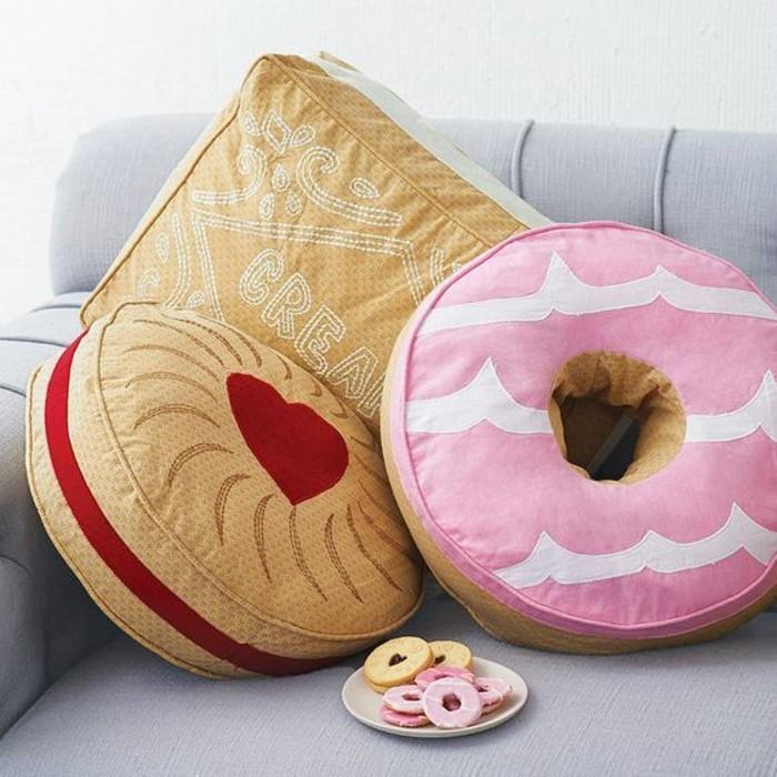 Lustige-Kissen-wie-Süßigkeiten-aussehend