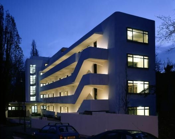 Moderne-Architektur-Merkmale-außene-Treppen