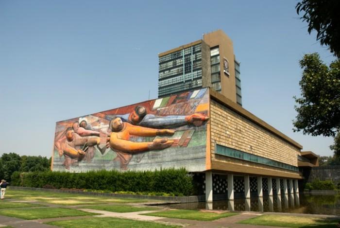 Neue-Sachlichkeit-Architektur-mit-Malerei