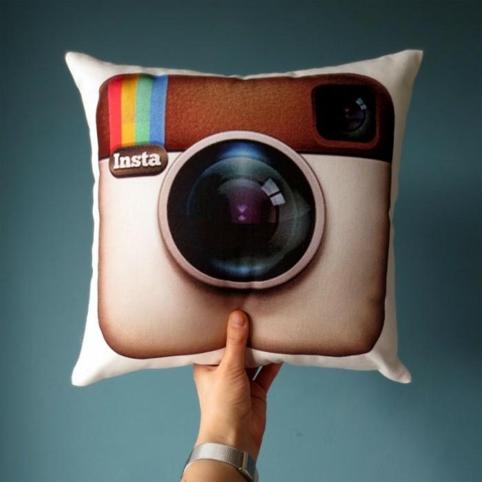 Originelle-Kissen-wie-das-Logo-von-Instagram