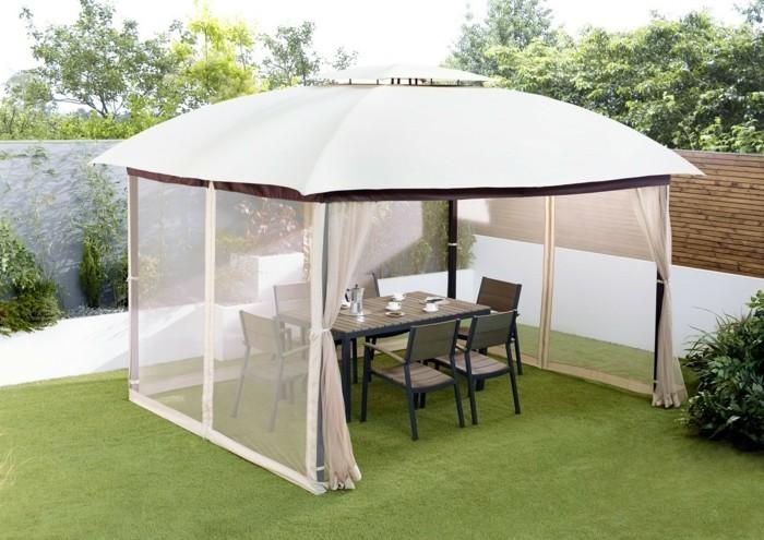 Pavillion-Zelt-mit-Möbeln-aus-Holz