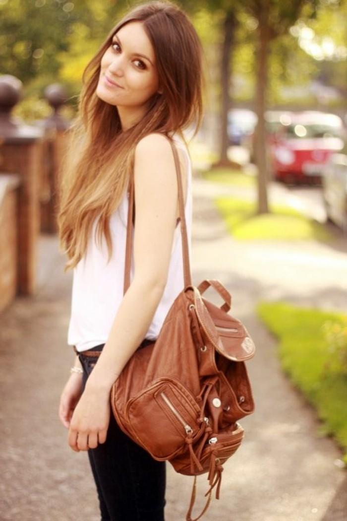 Rucksack-für-Frauen-ein-elegantes-Outfit
