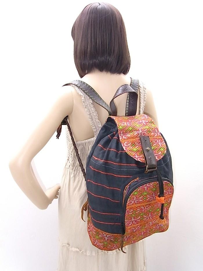 Rucksack-für-Frauen-mit-Blumen-Muster