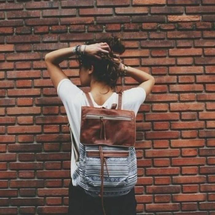 Rucksack-für-Frauen-mit-winzigen-Bildern