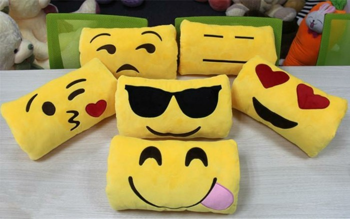 Smiley-Kissen-auch-in-Form-von-Rechteck