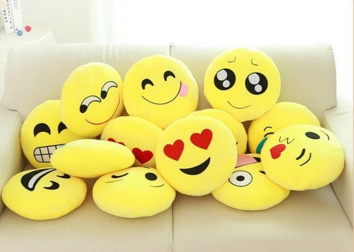 Smiley-Kissen-mit-süßen-Augen