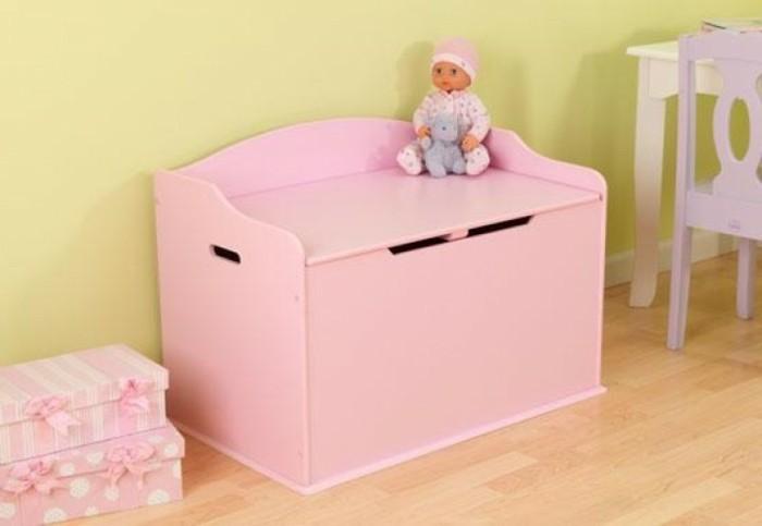 Spielzeugkisten-für-ein-kleines-Mädchen