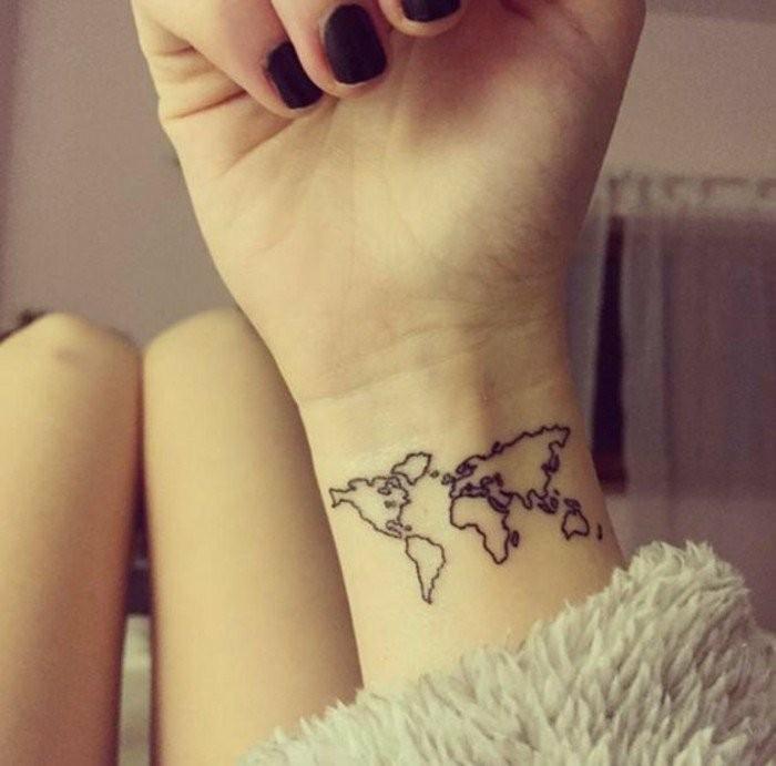 Tattoo-am-Handgelenk-wo-man-reisen-will